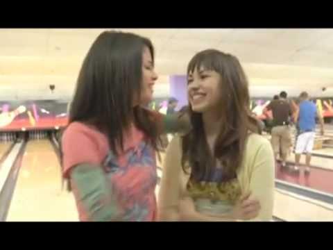 Selena gomez and demi lovato lesbian