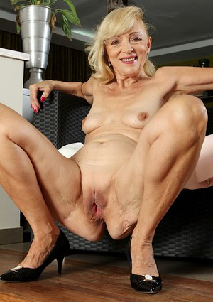 Old granny pussy porn