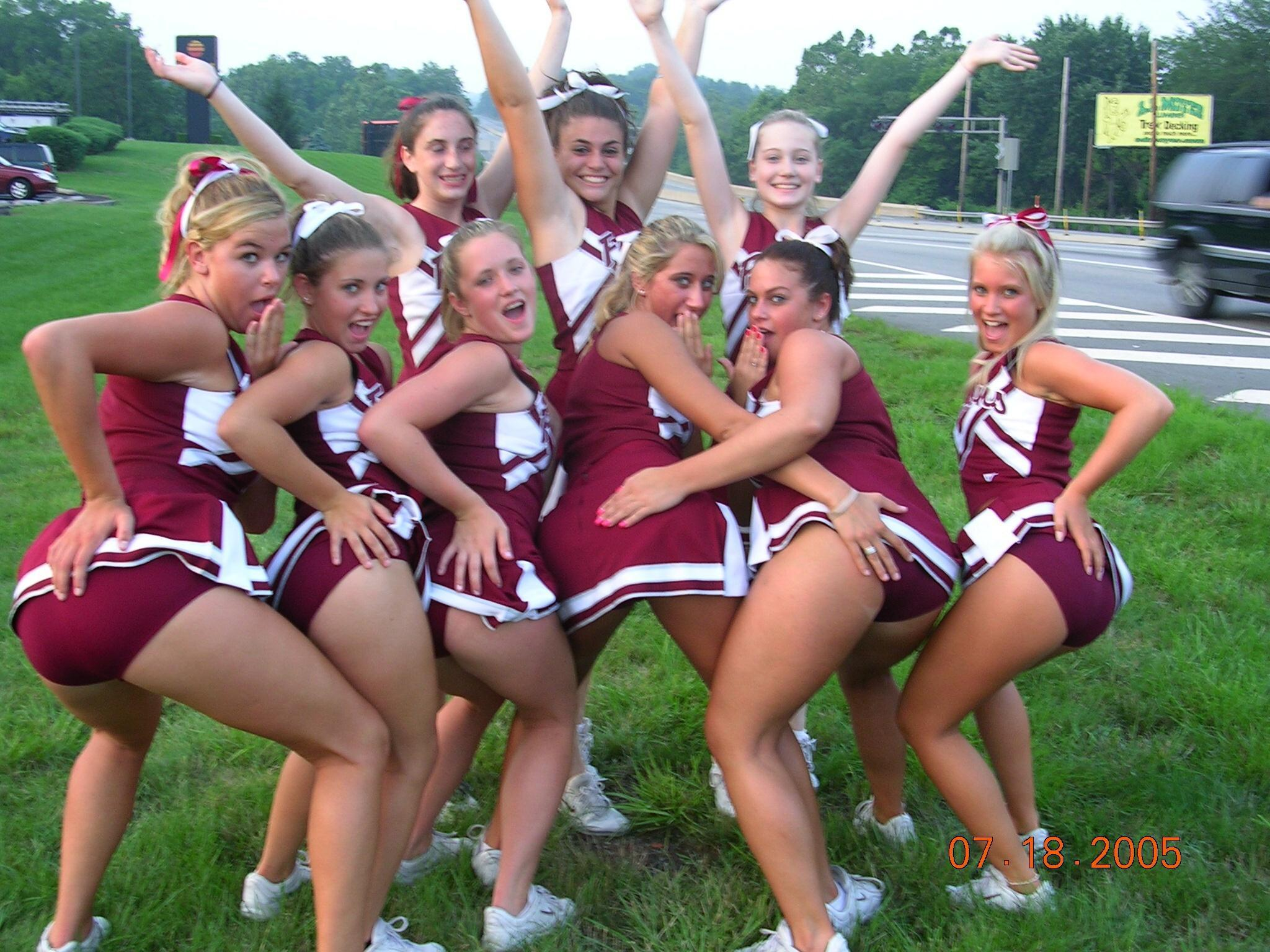 Real voyeur candid cheerleader