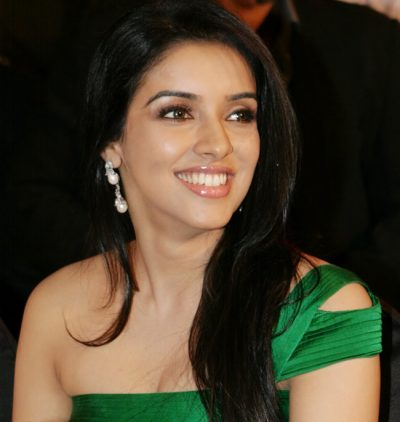 Actress asin hot breast