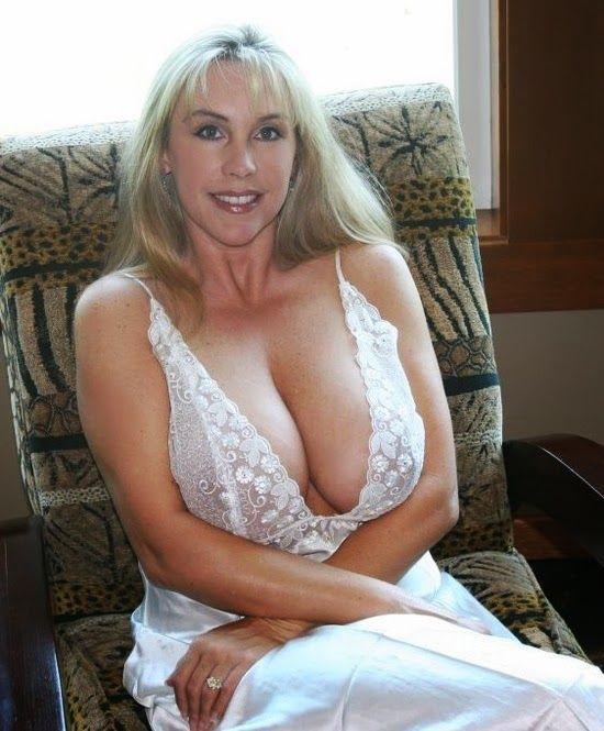 Beautiful cougar porn