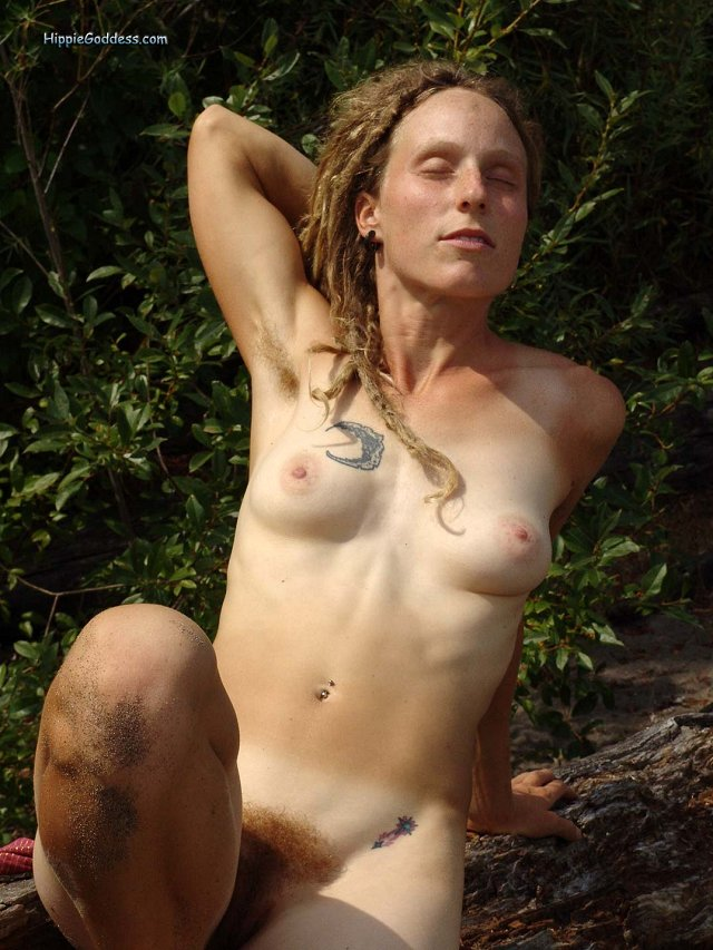 Natural nude hippie girl