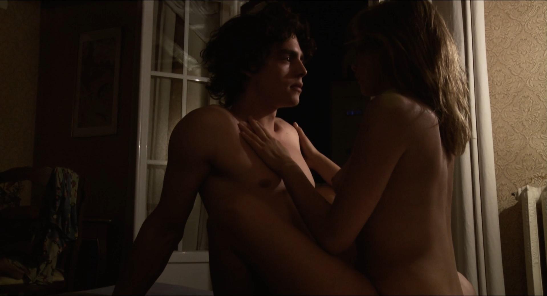 Lizzie brochere american translation in nude