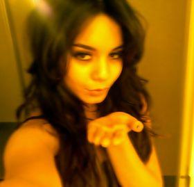 Vanessa hudgens leaked nude selfies