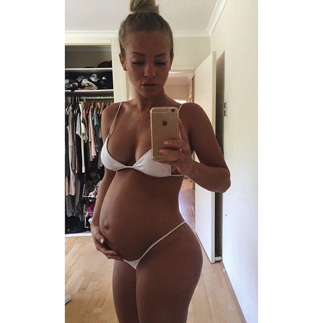 Hot pregnant women ass