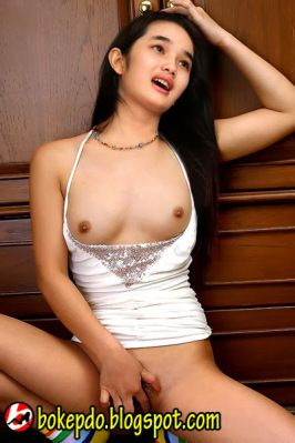 artis naked indonesian