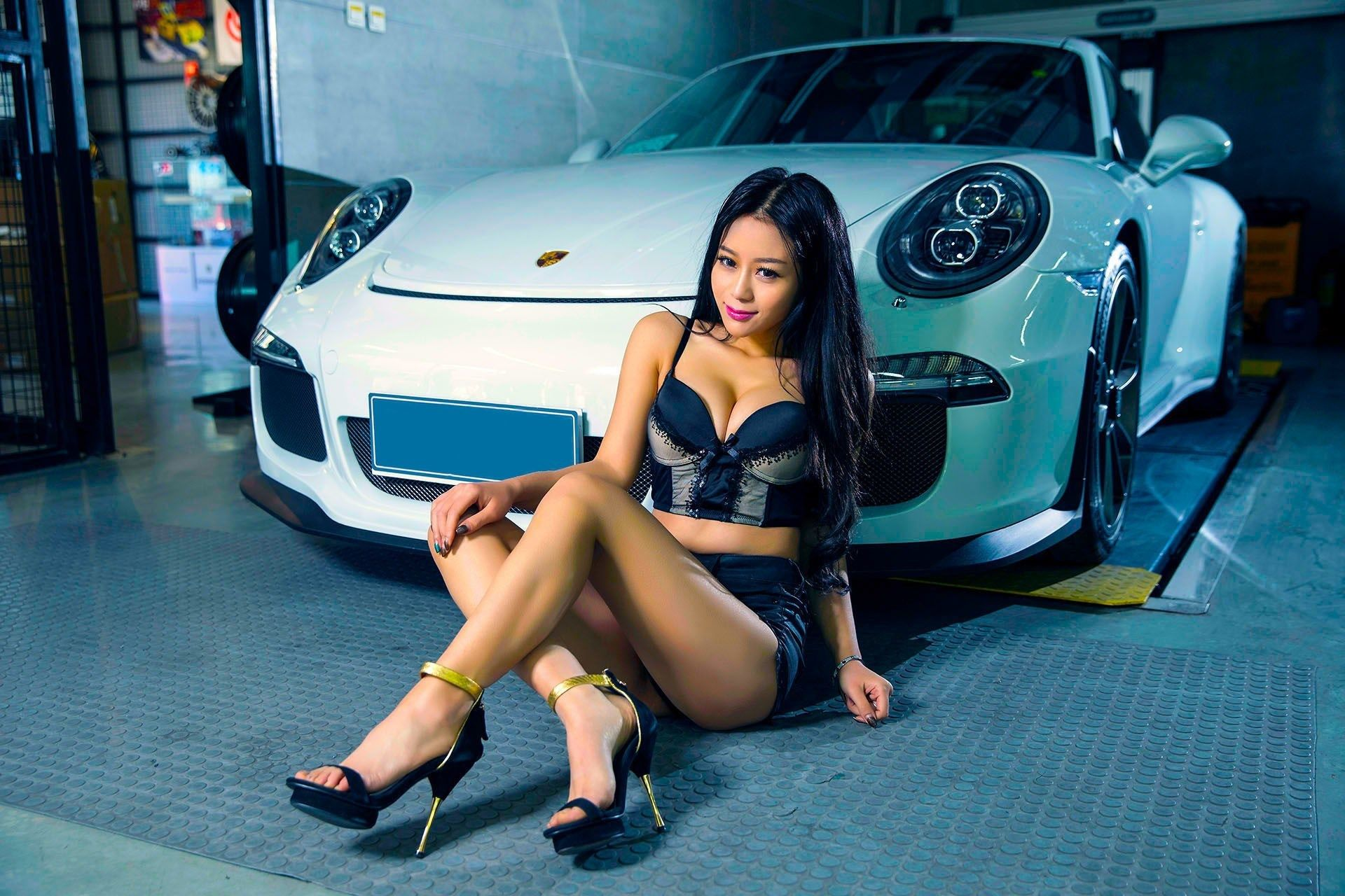 and Porsche nude girls cars
