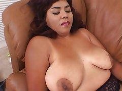 Mature women hairy pussy dildo