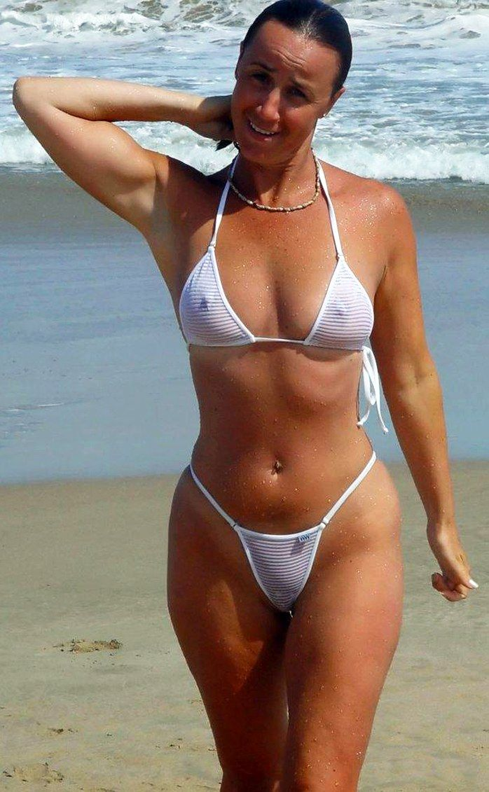 Amateur milf bikini beach