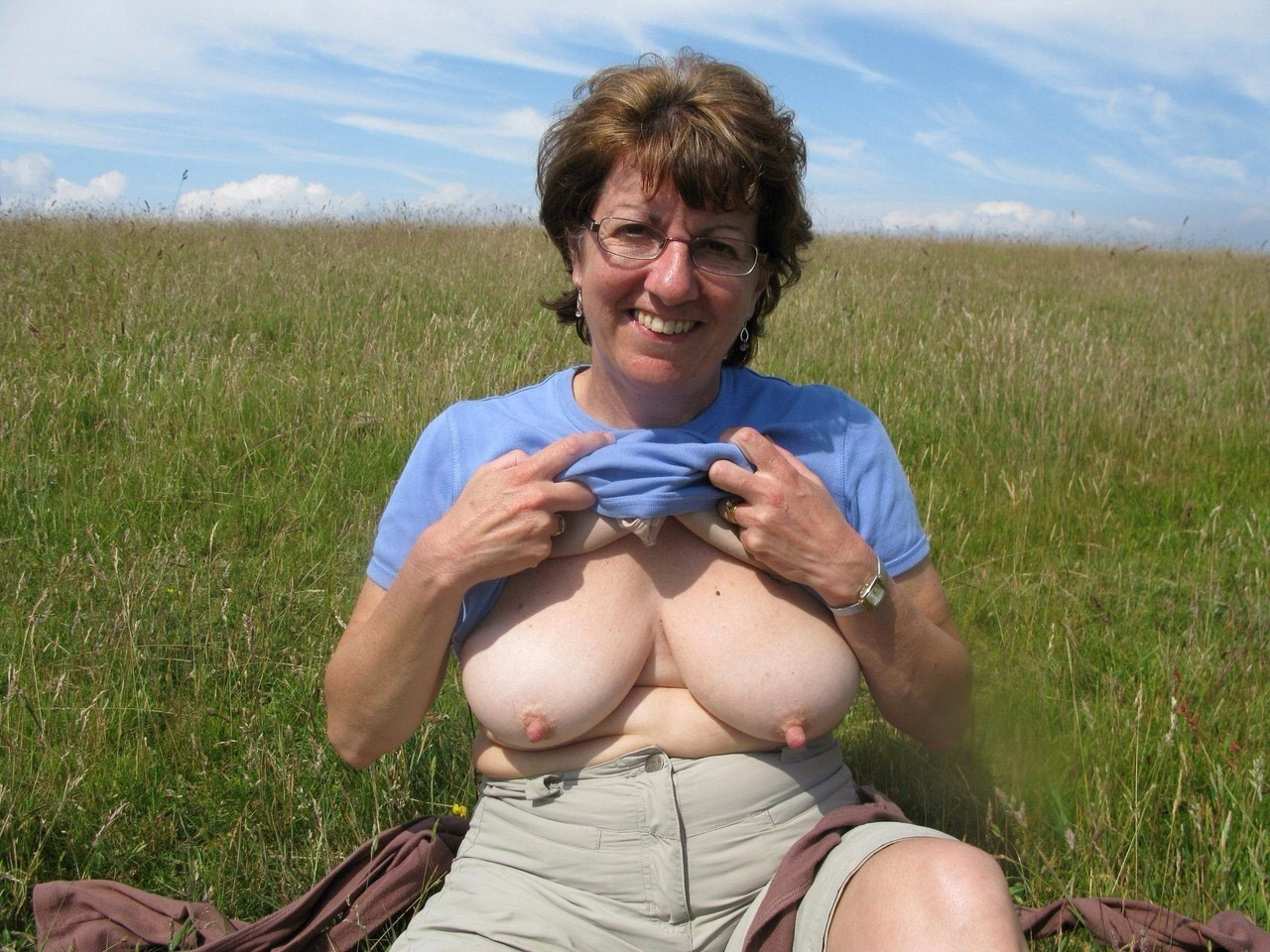 Mature women with medium tits