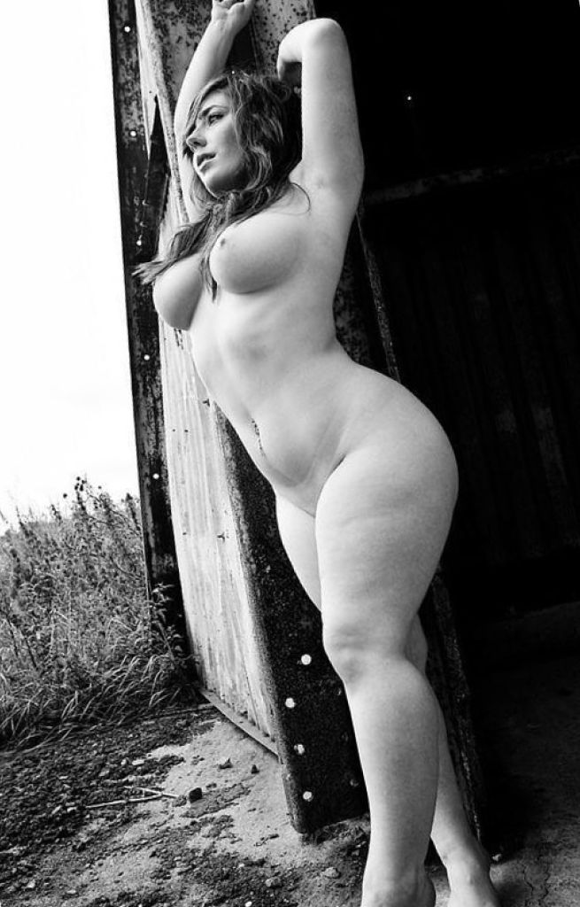Full figured women nude