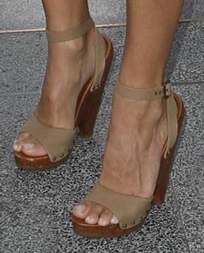 Pamela anderson foot