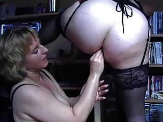Homemade amateur anal fisting lesbians