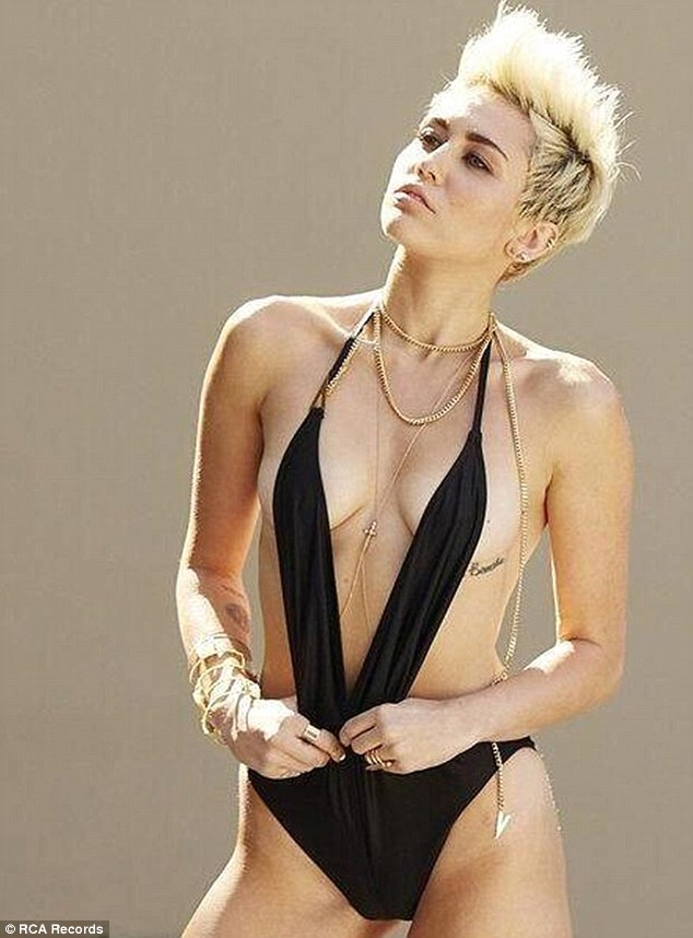 Miley cyrus nude fakes porn captions