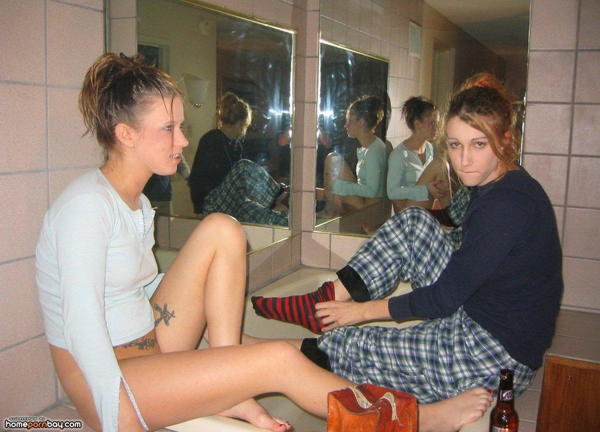 couples Real amateur lesbian