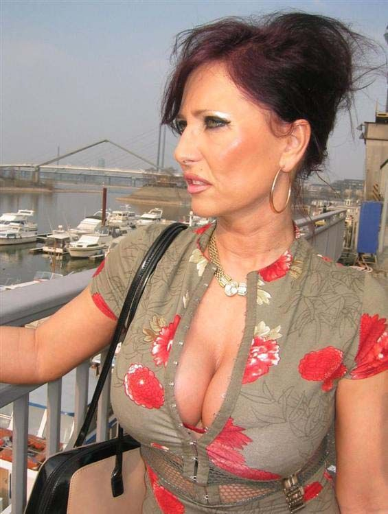 Sexy busty mature women