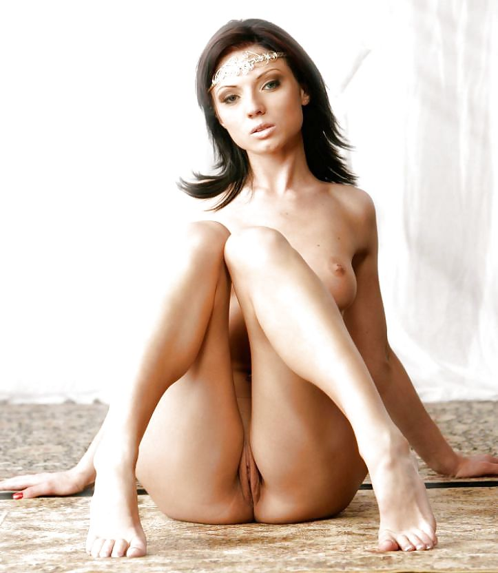 Pinay nude pussy model