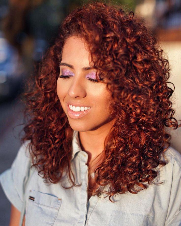 Latina curly hair