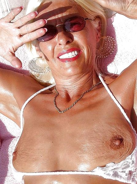 Amateur nudist granny
