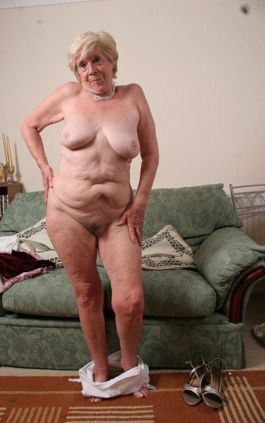 Austin powers nude clip
