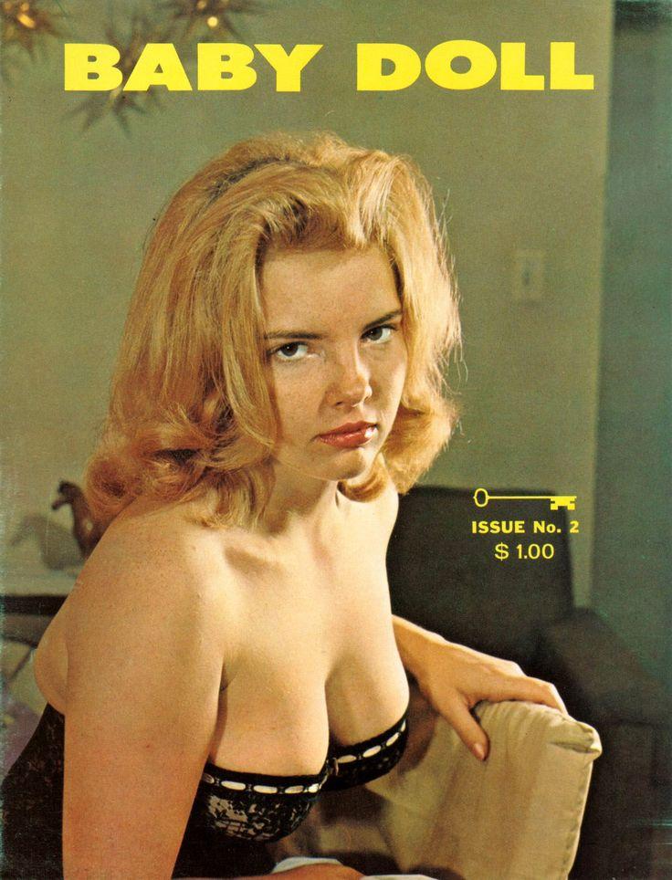 magazines women Sexy nude reading