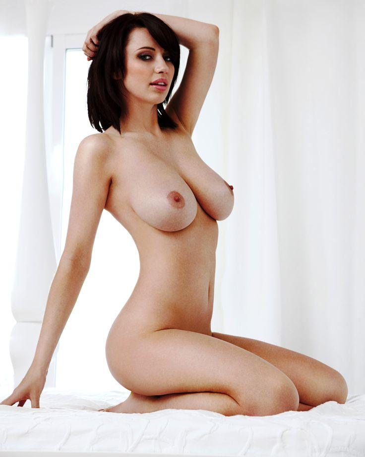 boobs natural Sophie howard