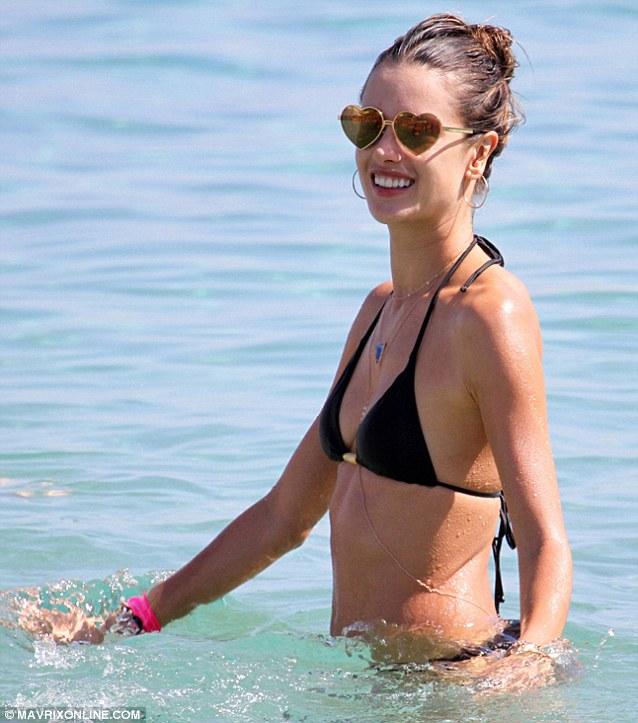 Pictures o rachel luttrell in bikini