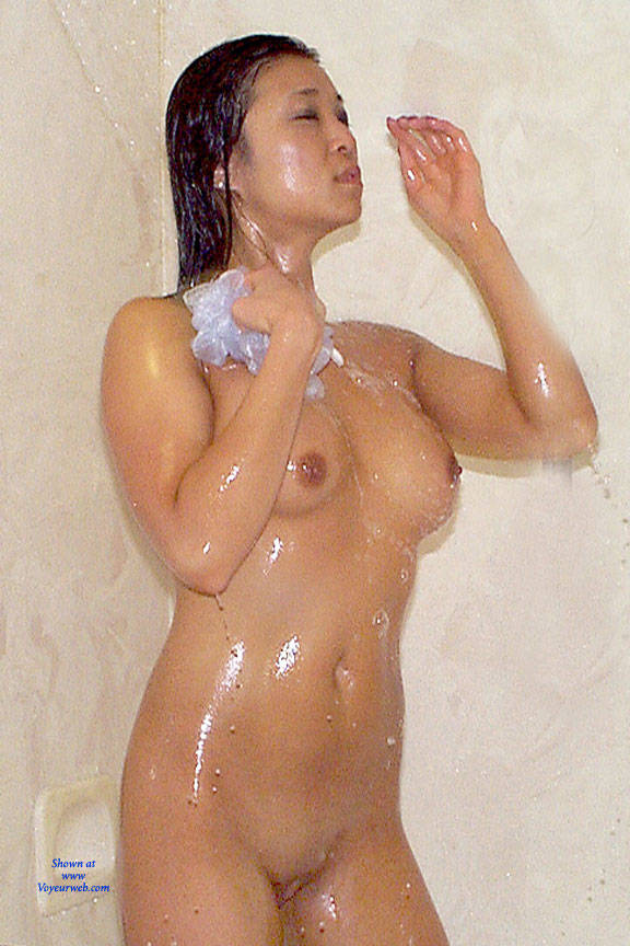 girls shower nude Wet