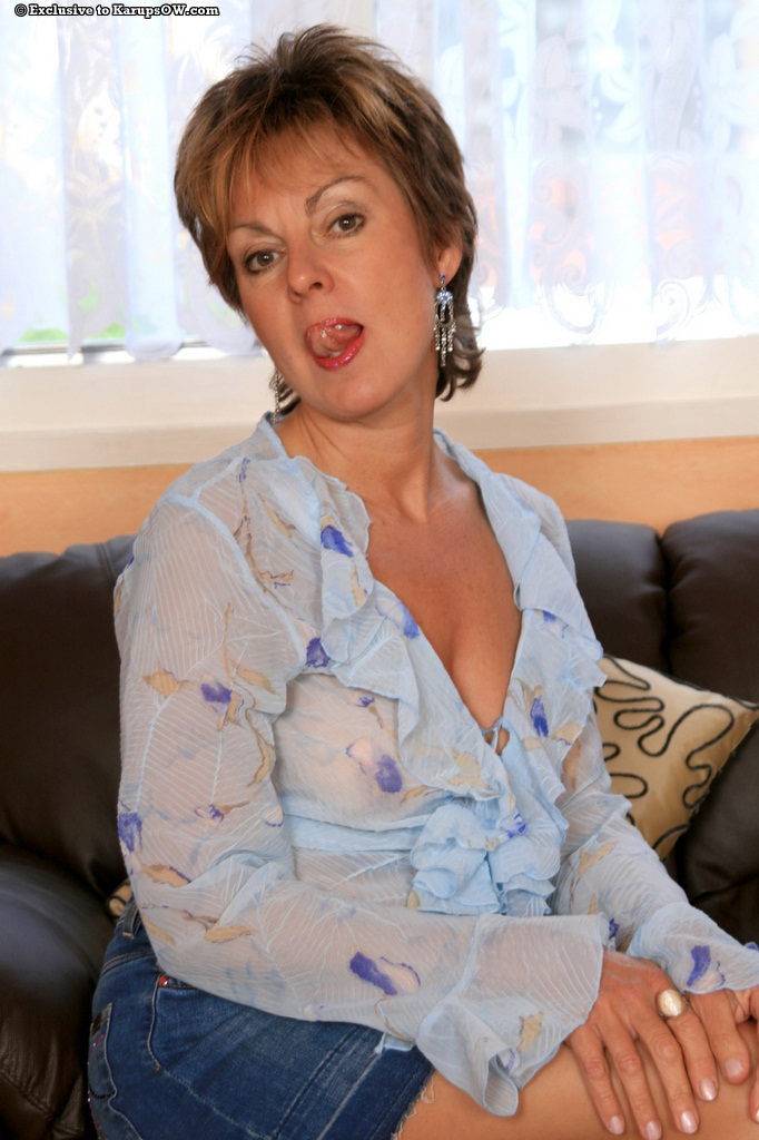 Mature milf georgie