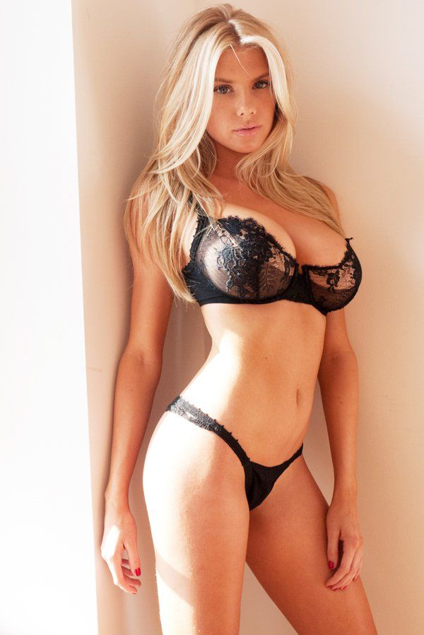 Charlotte mckinney nude full frontal