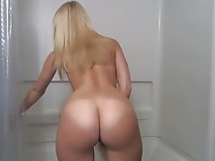 Amateur blonde dildo in shower