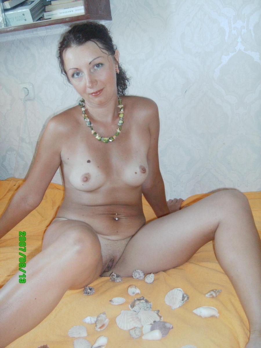 Russian amateur mom nude