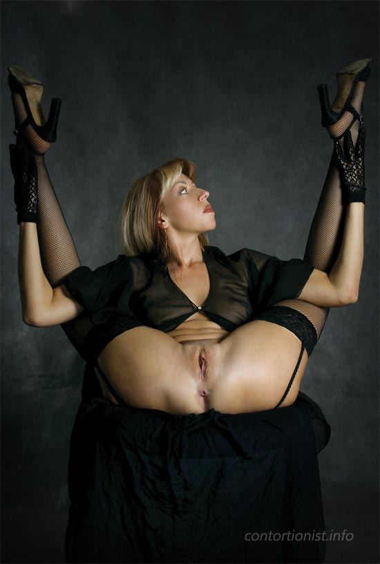 Contortionist zlata nude contortion