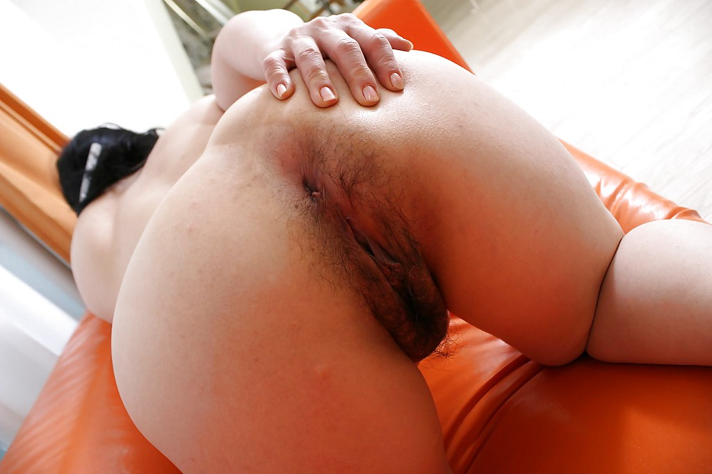 Hairy asian pussy close up creampie