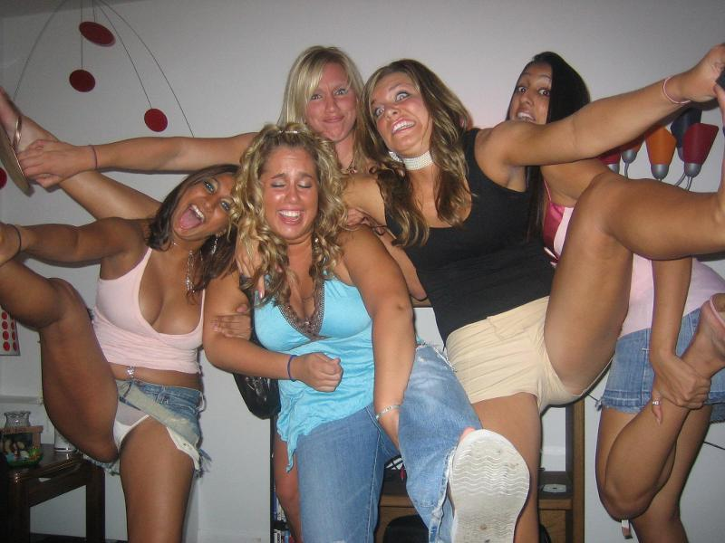 Naked drunk party girls