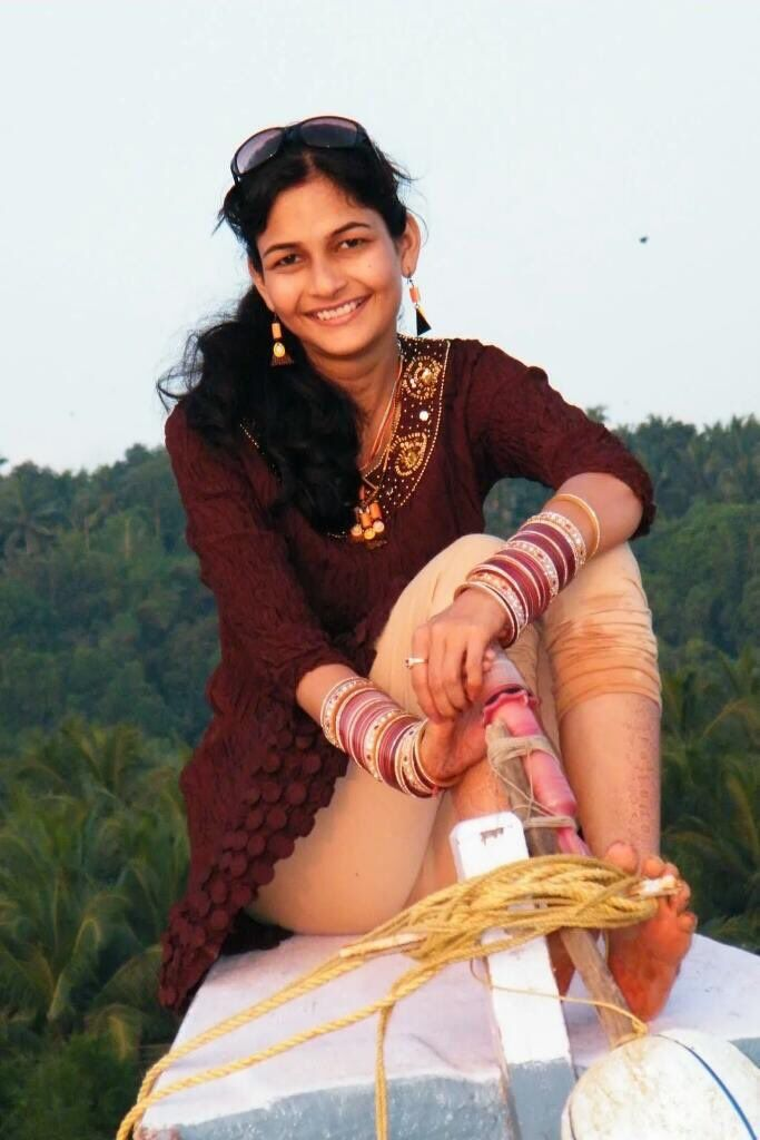 Indian desi girl oops