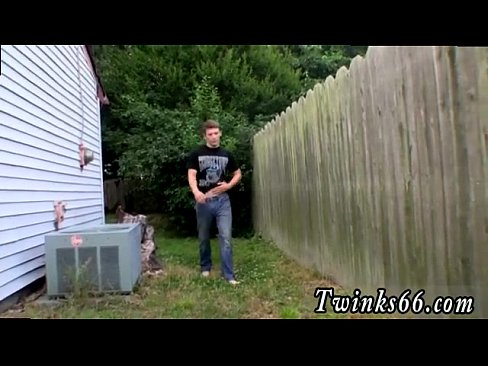 Gay men pissing voyeur