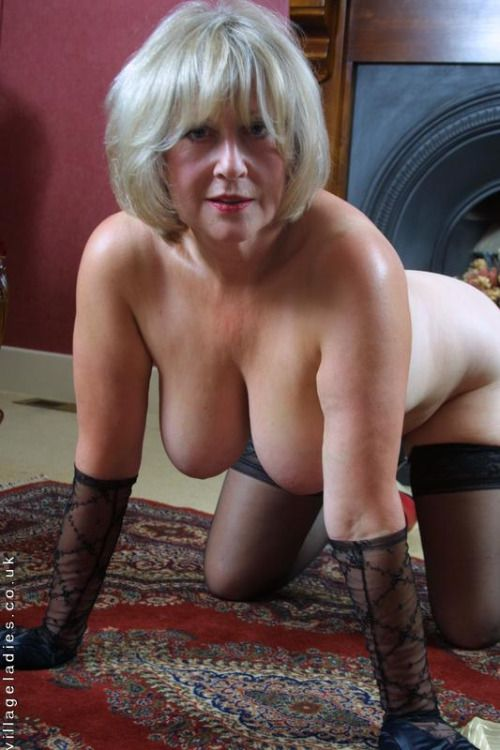 Beautiful hot naked grannies