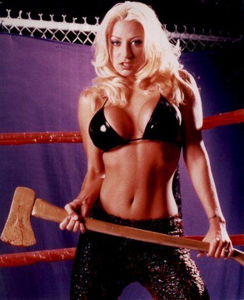 wrestler Lizzy borden