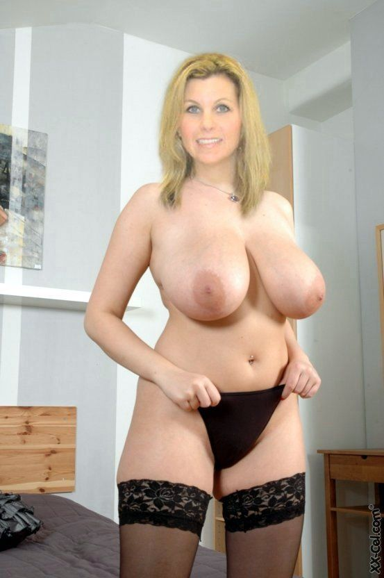 Blonde nude mature women fucking