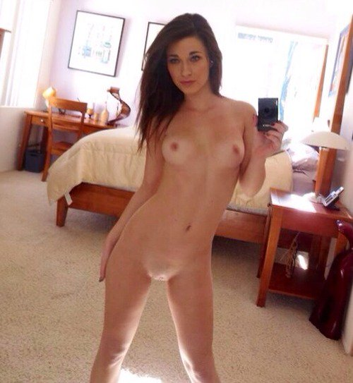 Nude college girls naked selfie