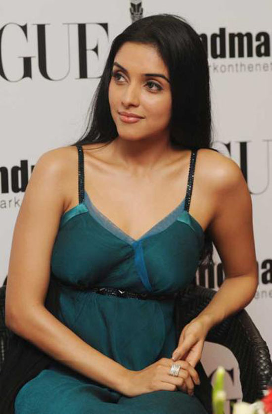 Tamil actress asin hot