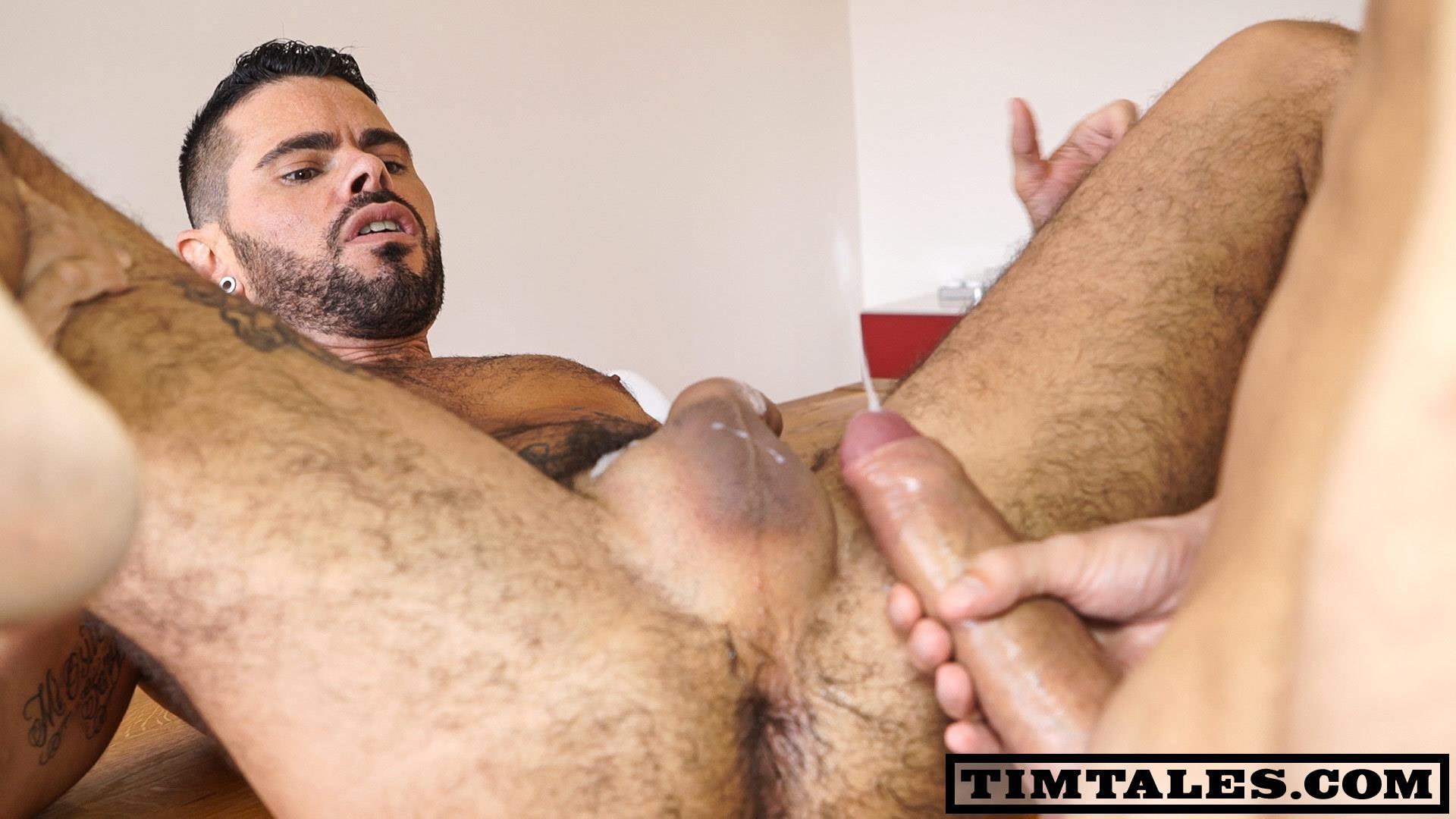 Bareback big uncut cock
