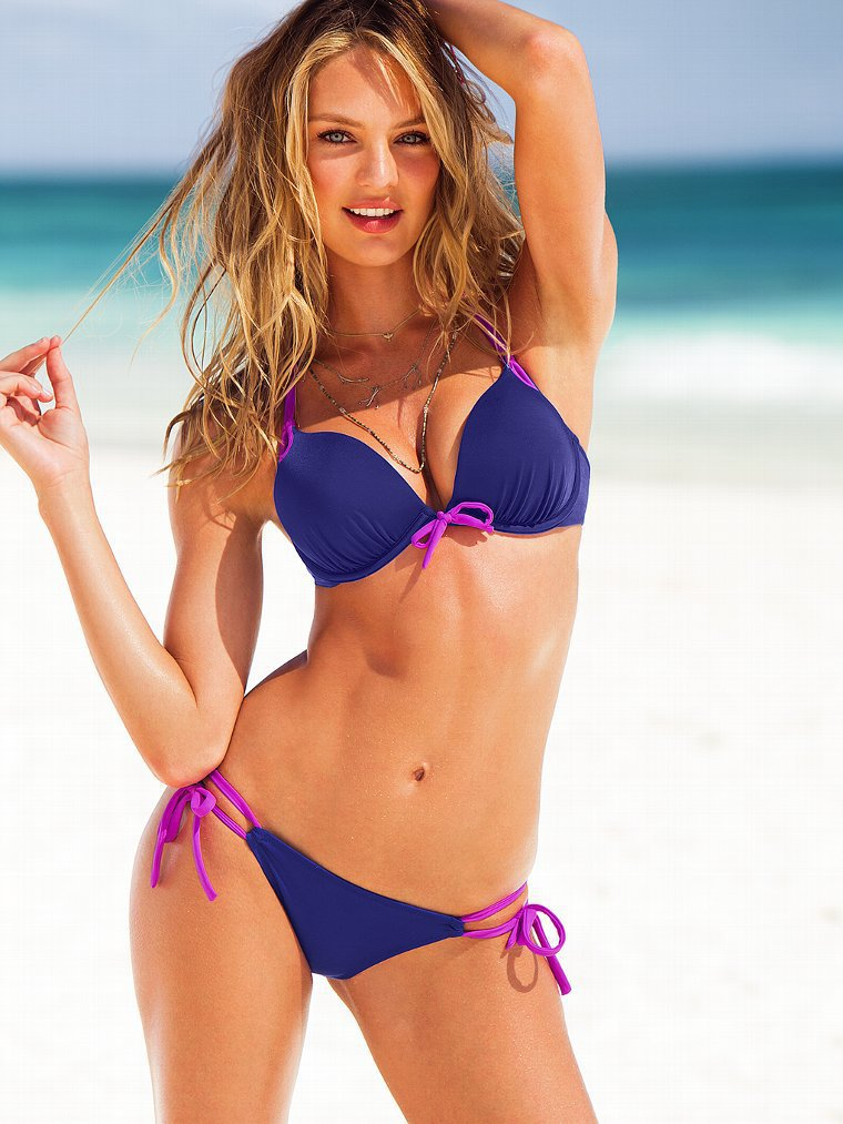 women in sexy bikinis Hot