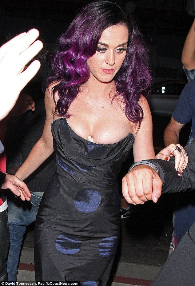 perry through Katy bra see