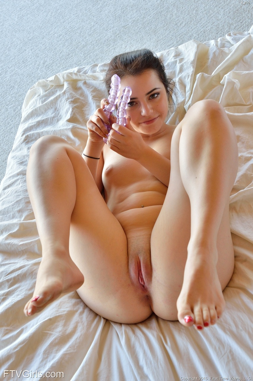 Nude vagina pussy model