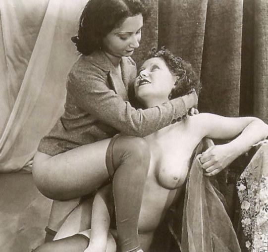 Retro vintage lesbian porn