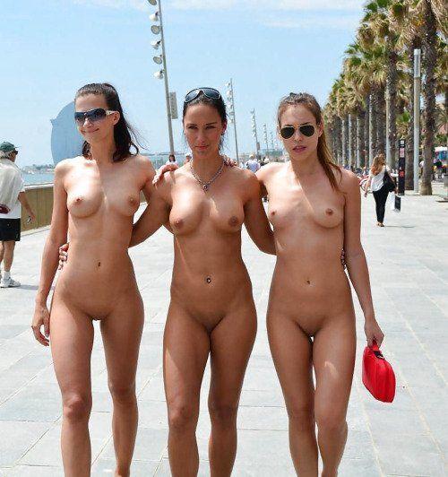 naked women beach