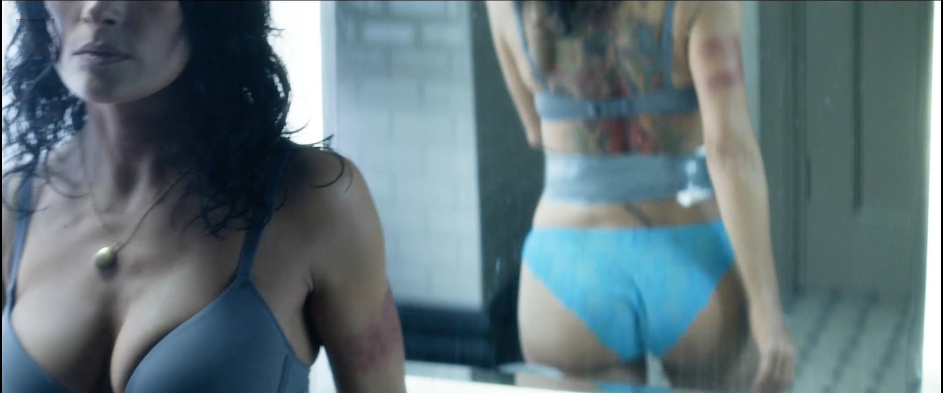 Salma hayek nude butt