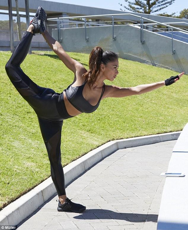 Pays trainer slutty gym off milf